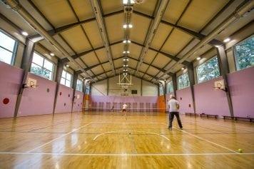Zaķumuižas pamatskolas sporta zāle